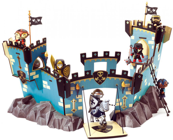 Castel on Ze Rock, 84,60 €. Arty Toys, Djeco. https://www.borntobekids.fr/